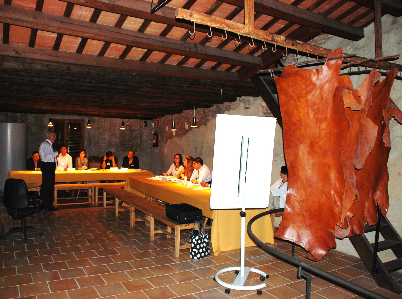 Antoni Subira explica el cas de la pell d' Igualada